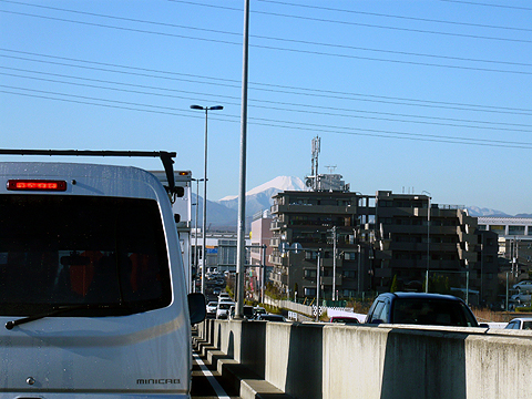 チラッと富士山が見えます